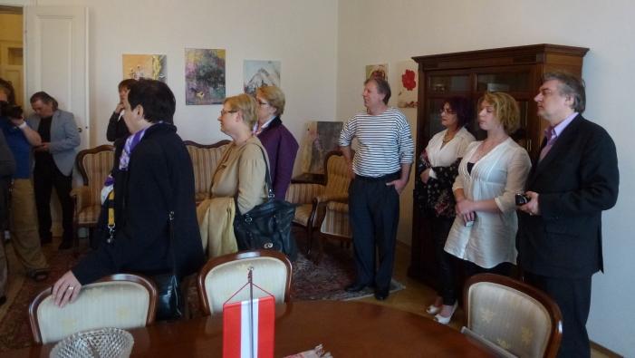 Publikum bei der Albanischen Botschaft in Wien